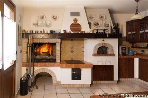 cucina rustica con camino cucina soggiorno con splendido camino finemente arredata
