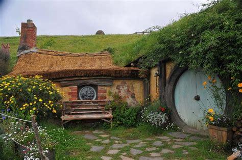 hobbit house new zealand hobbit holes pinterest 17 best images about hobbit houses hobbiton movie set on