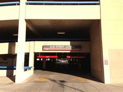 Garage Door Repair Elm Tx by Elm Garage Parking In Dallas Parkme