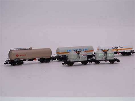 arnold n 4701 4705 4712 4630 4633 freight carriage 3x bogie tank wagons and 2x silo wagons
