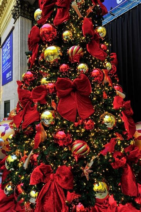 how to decorate a christmas tree with colorful lights the most colorful and sweet trees and decorations you seen eye q