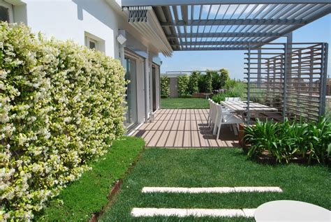 terrazzo pensile un attico con un grande giardino pensile in puglia