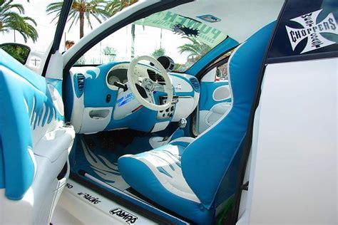 int 233 rieur de voiture tuning bleu azur comme la mer