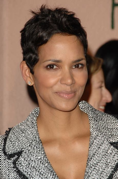 harry berry hairstyle best 25 halle berry pixie ideas on halle berry pixie haircut