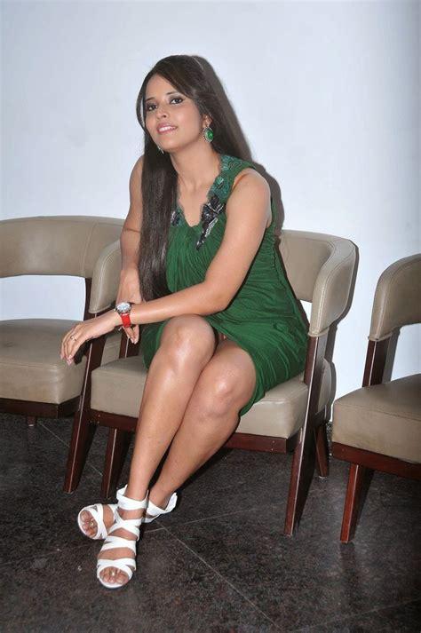 tv anchor anusuya unseen boobs photos tv anchor anasuya hot thigh show images in green short