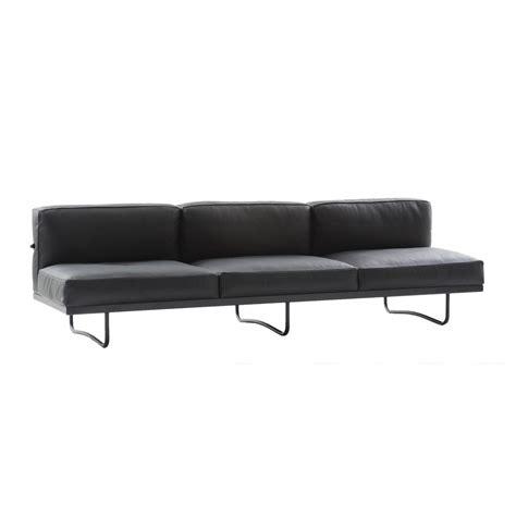 le corbusier 3 seater sofa le corbusier lc5 3 seater sofa cassina ambientedirect com