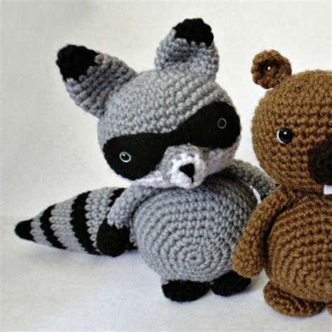 amigurumi raccoon pattern free free raccoon bandit amigurumi crochet pattern wixxl