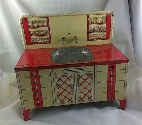 toy kitchen appliances vintage wolverine sink litho tin toy little kitchen