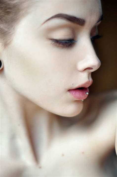 8 Perks Of Pale Skin 1000 ideas about pale skin on foundation for