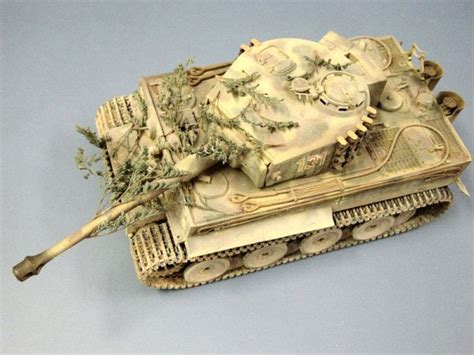 Light Yellow Paint by Tamiya 35194 1 35 Tiger I Ausf E Mid Production Build Review