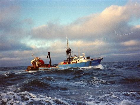 commercial fishing boats near me 1000 ideas about fishing boats on pinterest boats