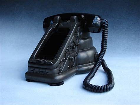 iretrofone steampunk iphone dock gadgetsin
