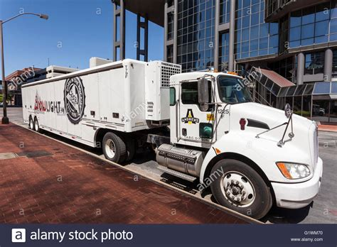 city of fort worth street lights fort worth usa apr 6 coors light beer delivery truck