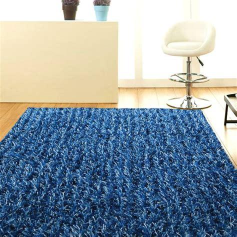 Blau Weißer Teppich by Blauer Teppich Suchen Sie Nach Einem Modernen Teppich In