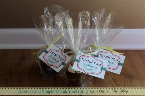 it gifts a sweet and simple thank you gift with free printable