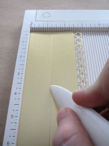 Scoring Paper To Fold - to use border punch on center of a steip score the