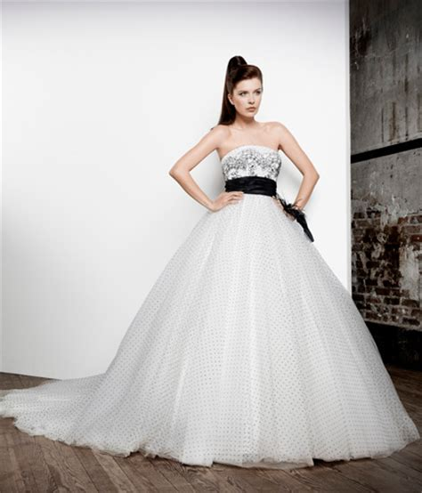 Robe De Mariée Noir Et Blanc Pronuptia - essayages de robes de mari 233 e avant de faire une robe sur