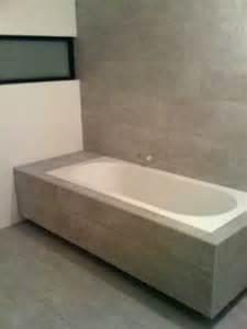 carrelage de la baignoire sur carre aux autour