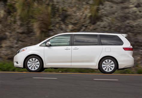 Toyota Minivan Apelberi 2017 Toyota Minivan Brilliant White