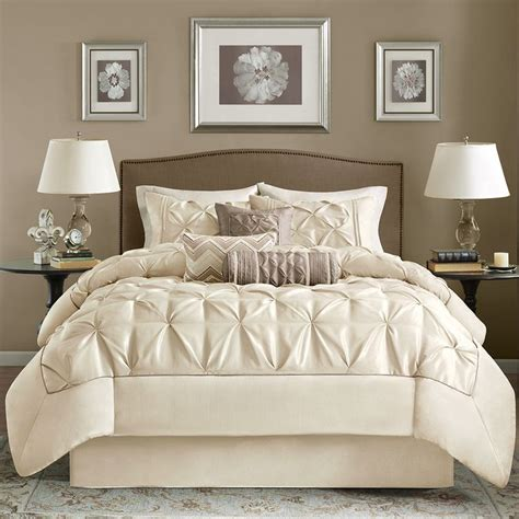 Taupe Bedroom Ideas Best 25 Taupe Bedding Ideas On Pinterest Large Bed