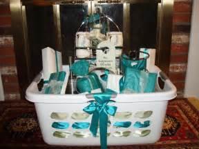Bathroom Gift Basket Ideas by Creative Bridal Shower Basket Ideas For Wedding