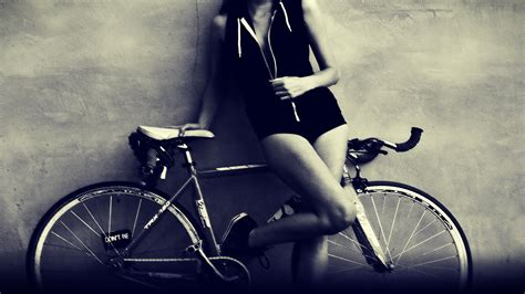 sporty girl wallpaper sporty girl with a bike wallpapers and images wallpapers
