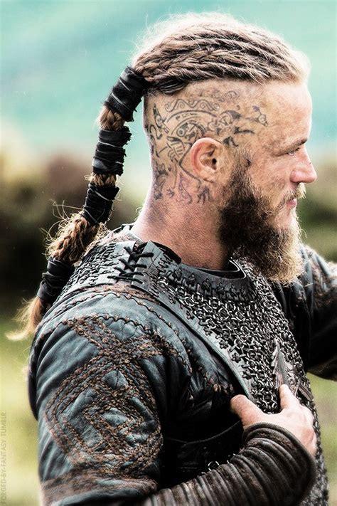 ragnar lothbrok cospkay vikings les tatouages des personnages de la s 233 rie en 10