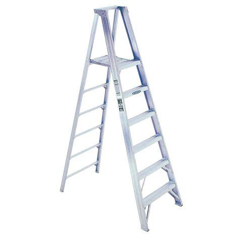 werner 8 ft aluminum platform step ladder with 375 lb