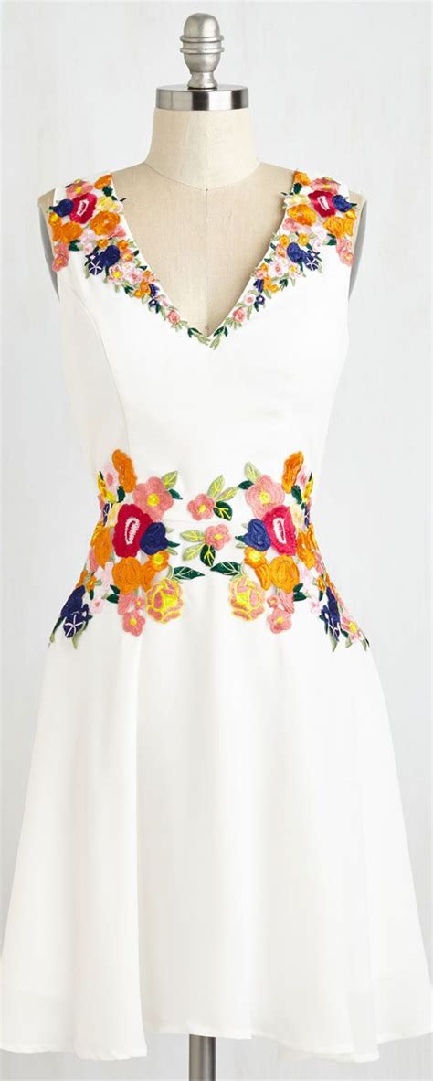 Flowers Embroidery Dress inspiration floral embroidered dress fashion