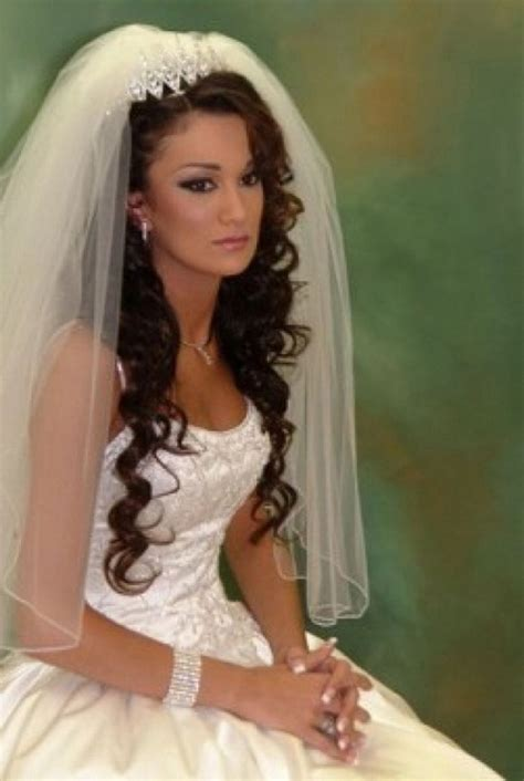 American Wedding Hairstyles With Tiara by 20 Wedding Hairstyles With Tiara Ideas Curly Wedding