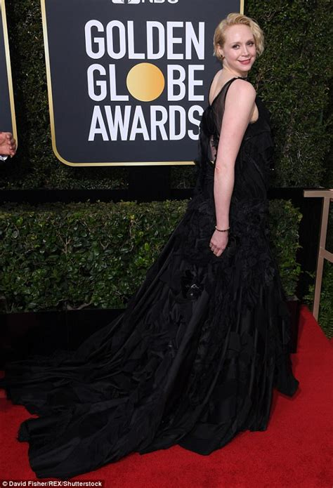 Thief Steals Golden Globe Shoes by Emilia Clarke Gets Giggles With Got S Gwendoline Christie