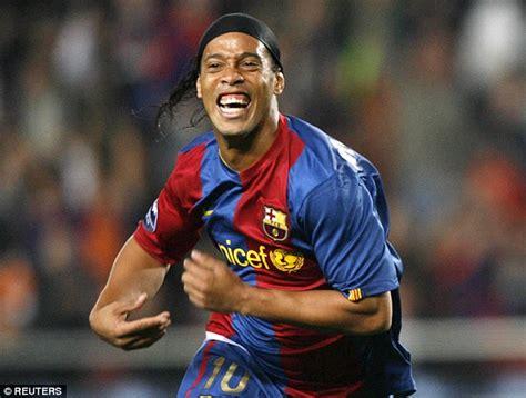 ronaldinho returns  barcelona  club ambassador daily