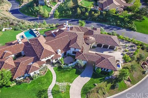 britney spears house britney spears is selling her thousand oaks home celebrity trulia blog