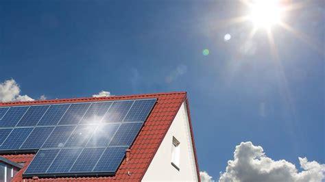 solar panel survey solar panels buying guide energy saving choice