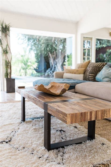 rustic living room tables 25 best ideas about rustic coffee tables on pinterest