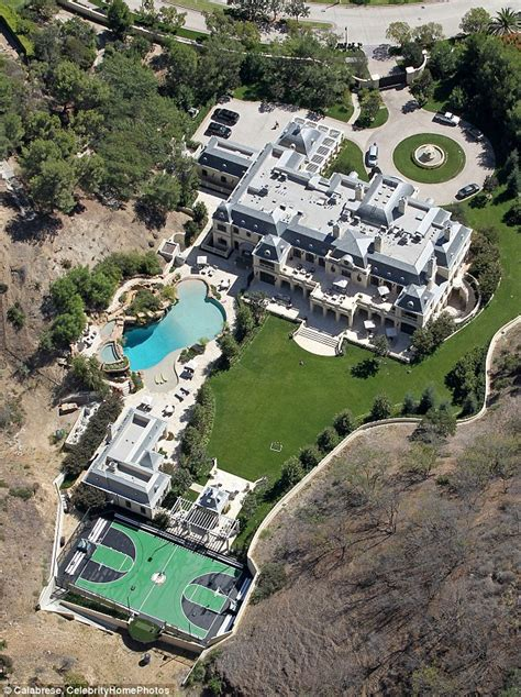mark wahlberg house mark wahlberg s beverly park mansion appears to be finished daily mail online