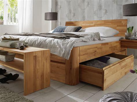 doppelbett ohne kopfteil massivholz doppelbett mit bettkasten zarbo betten de