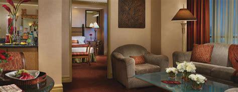 luxor one bedroom luxury suite lucky in love las vegas april 30th 2011