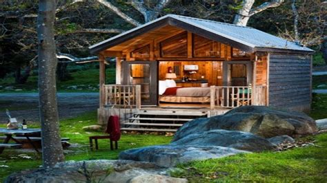 small cabins tiny houses on wheels small cabins tiny tiny houses on wheels tiny cabin house amazing tiny