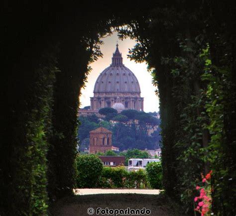 giardino degli aranci serratura dal buco della serratura porta dei cavalieri di malta