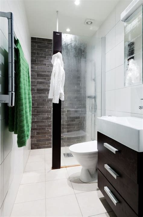 Small Ensuite Bathroom Design Ideas by Best 25 Small Narrow Bathroom Ideas On Pinterest Narrow