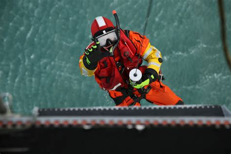 how to a to search and rescue rescue swimmer fitness standards