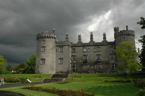 beautiful castles 10 most beautiful castles in the world