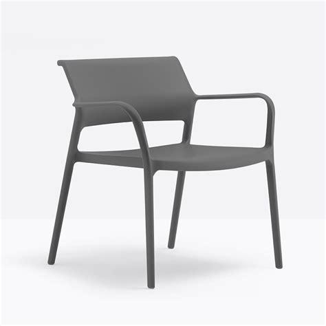 table et chaise pour bébé ara lounge fauteuil lounge pedrali en polypropyl 232 ne