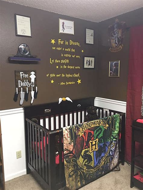 parents create harry potter nursery for their muggle born little wizard bored panda
