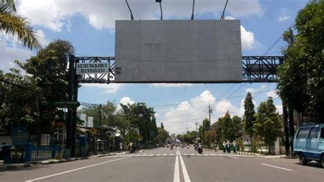 larangan membuat faktur pajak iklan rokok diizinkan lagi di cianjur komunitas kretek