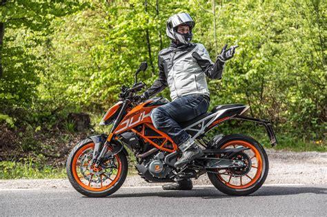 Motorrad Bmw Vs Honda by Bmw G 310 R Vs Ktm Duke 390 Vs Honda Cb 500 F Motorrad