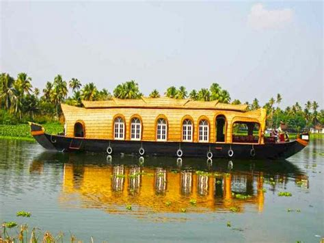 house boat at kollam luxury 4 beds houseboat booking for 1 nights in kollam at