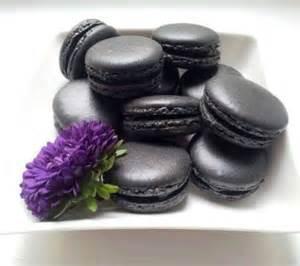 kuchen für cake pops macarons macarons in edlem schwarz