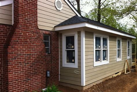 need help with exterior paint colors that go with brick